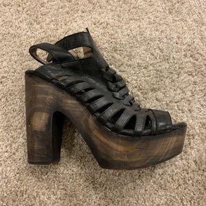 Free bird Congo heels sz 10